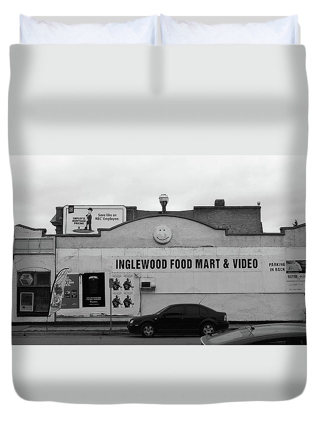 Store Duvet Cover featuring the photograph Inglewood Food Mart by David Pantuso