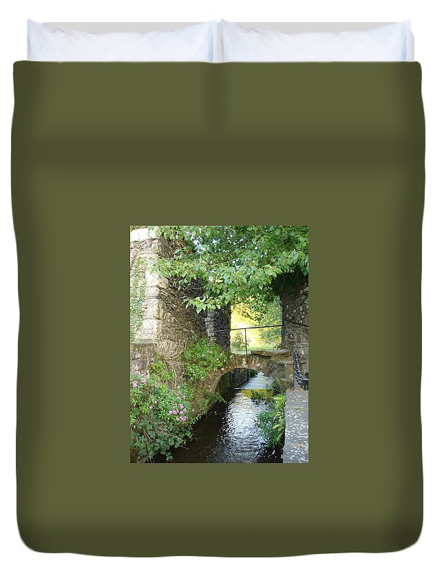 Inistioge Duvet Cover featuring the photograph Inistioge by Kelly Mezzapelle