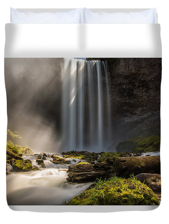 Tamanawas Falls Duvet Cover featuring the photograph Into The Mist by Christy Hibsch
