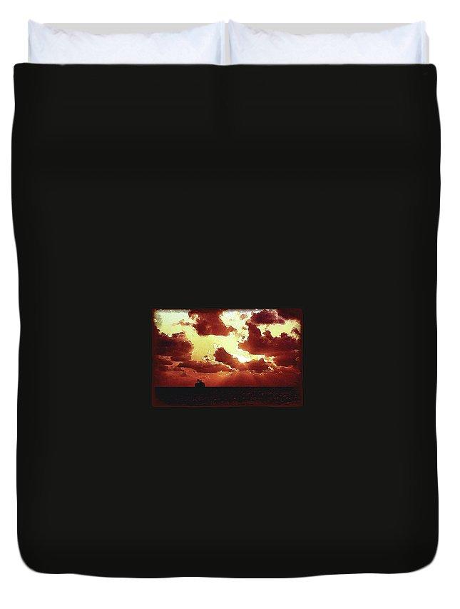 The Sea Duvet Cover featuring the digital art Into The Murky Sun by Richard Larson