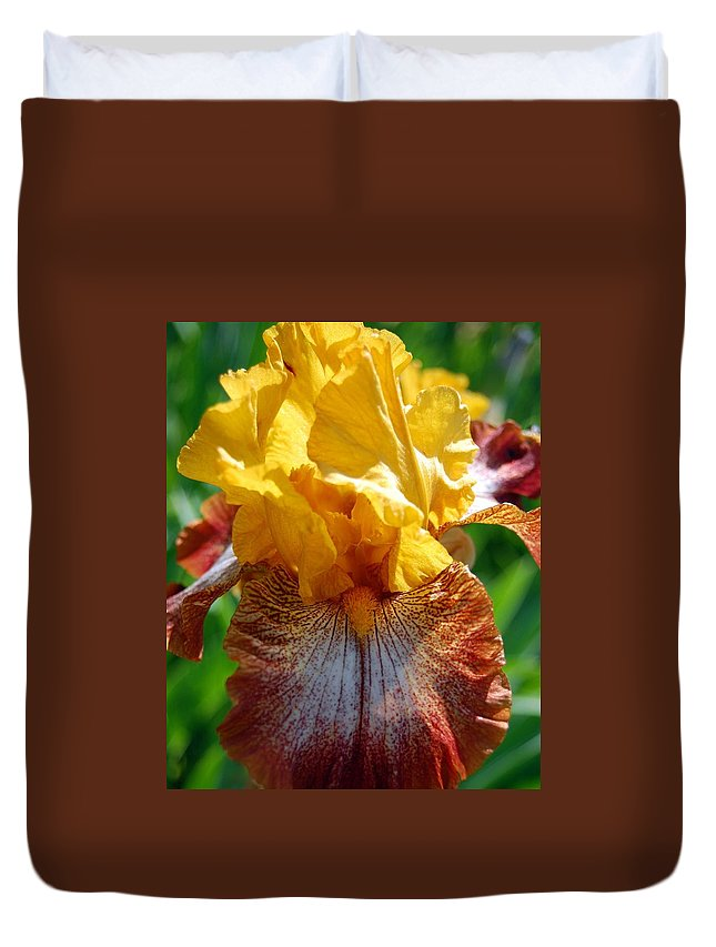 Flower Duvet Cover featuring the photograph Iris 1 by Amy Fose