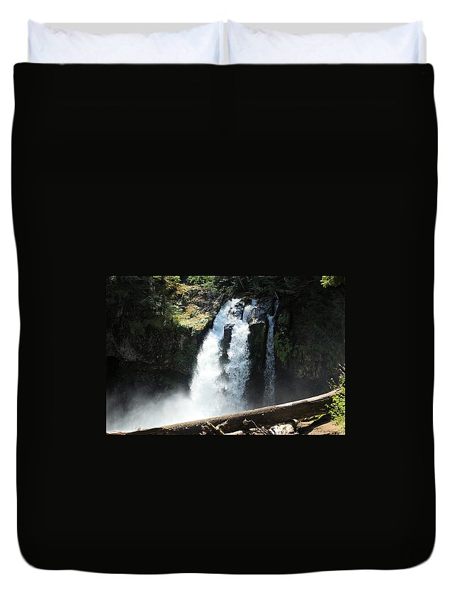 Waterfalls Duvet Cover featuring the photograph Ironhead Falls by Jeff Swan