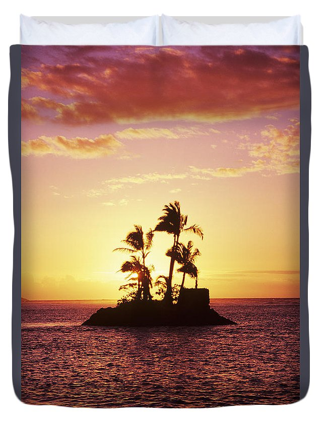 Alone Duvet Cover featuring the photograph Island Silhouette by Tomas del Amo - Printscapes