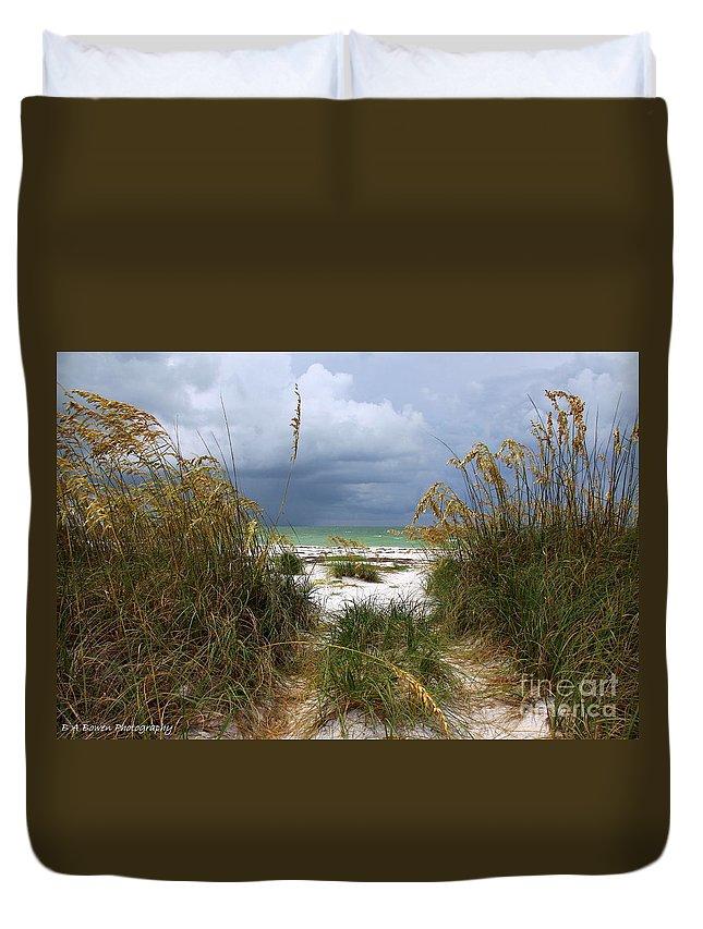 Beach Duvet Cover featuring the photograph Island Trail Out To The Beach by Barbara Bowen