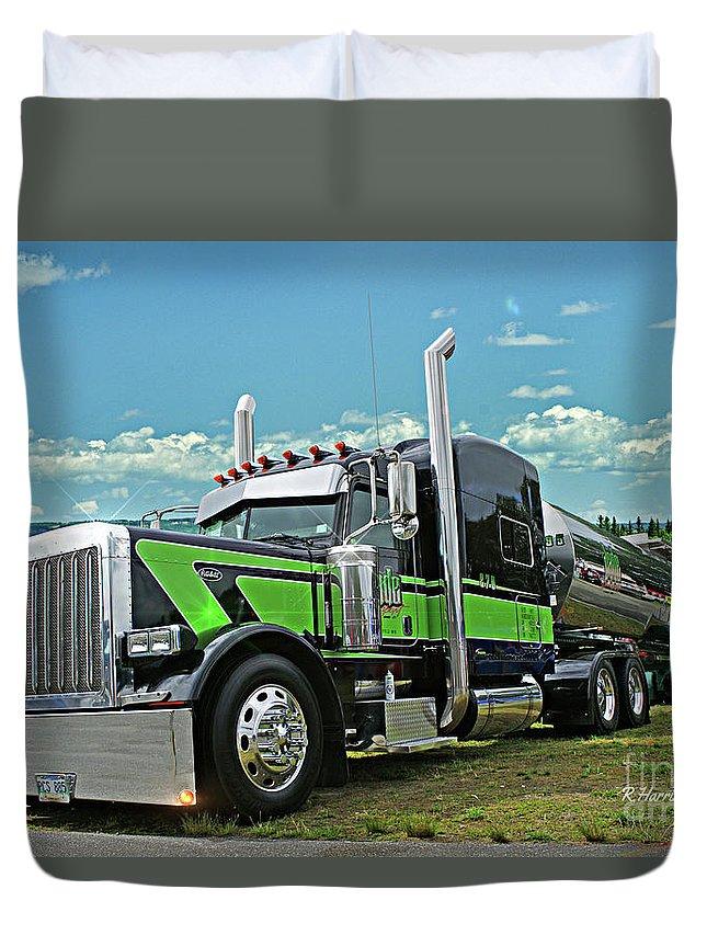 Big Rigs Duvet Cover featuring the photograph Jade Transport Peterbilt by Randy Harris