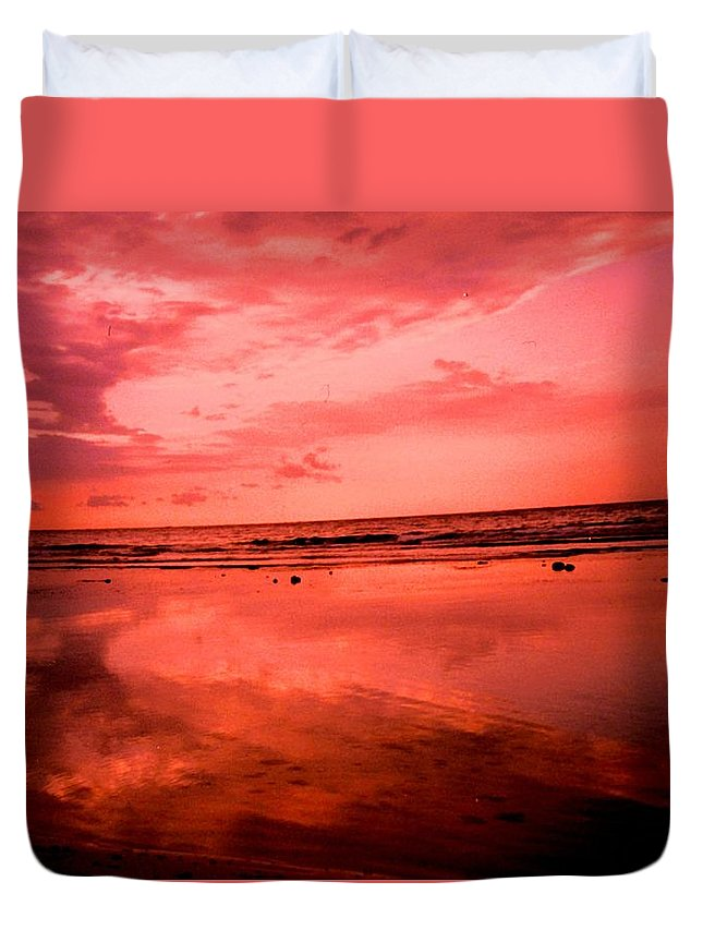 Sunset Duvet Cover featuring the photograph Jamaica Sunset by Ian MacDonald