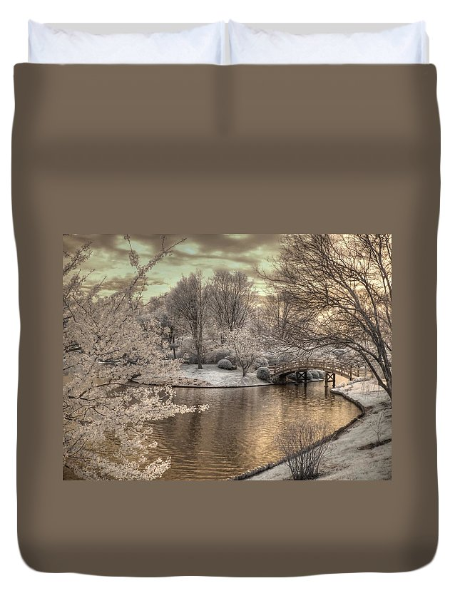 Japanese Garden Duvet Cover featuring the photograph Japanese Garden by Jane Linders
