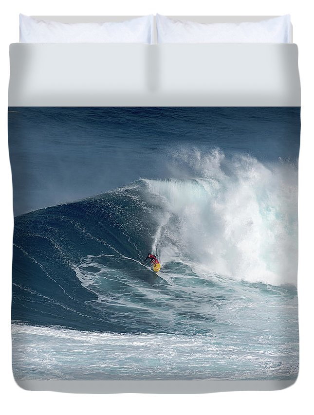 Jaws Duvet Cover featuring the photograph Jaws Wave by Robert Morris
