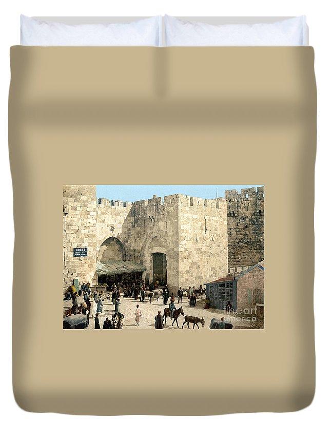 1900 Duvet Cover featuring the photograph Jerusalem: Jaffa Gate by Granger