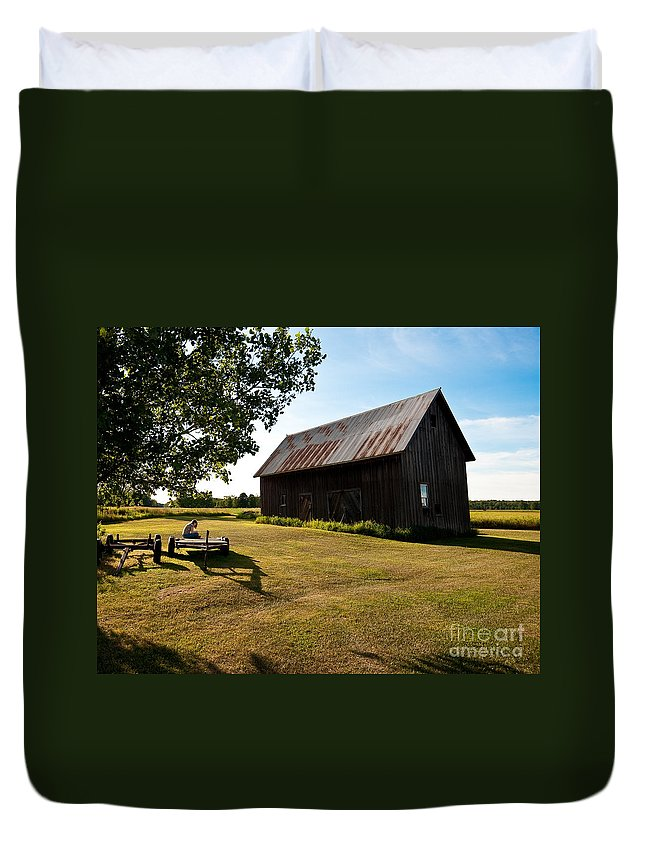 Barn Duvet Cover featuring the photograph Jesse's World by Steven Dunn