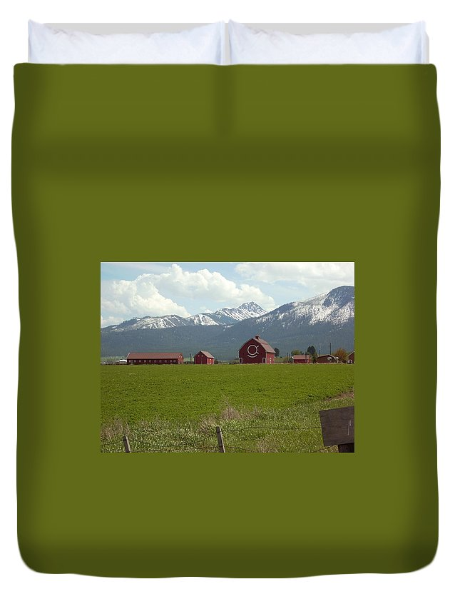 Red Barn Duvet Cover featuring the photograph Joesph by Sara Stevenson