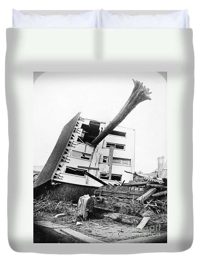 1889 Duvet Cover featuring the photograph Johnstown Flood, 1889 by Granger