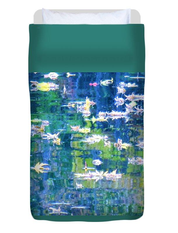 Water Art Duvet Cover featuring the photograph Joyful Sound by Sybil Staples