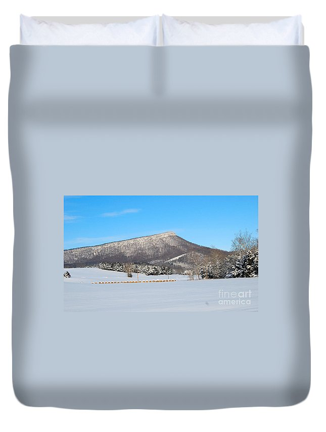 Jump Mountain Duvet Cover featuring the photograph Jump Mountain by Todd Hostetter