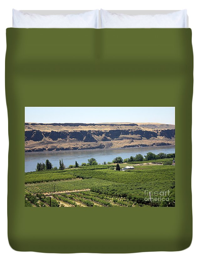 Columbia River Gorge Duvet Cover featuring the photograph Just Add Water... by Carol Groenen