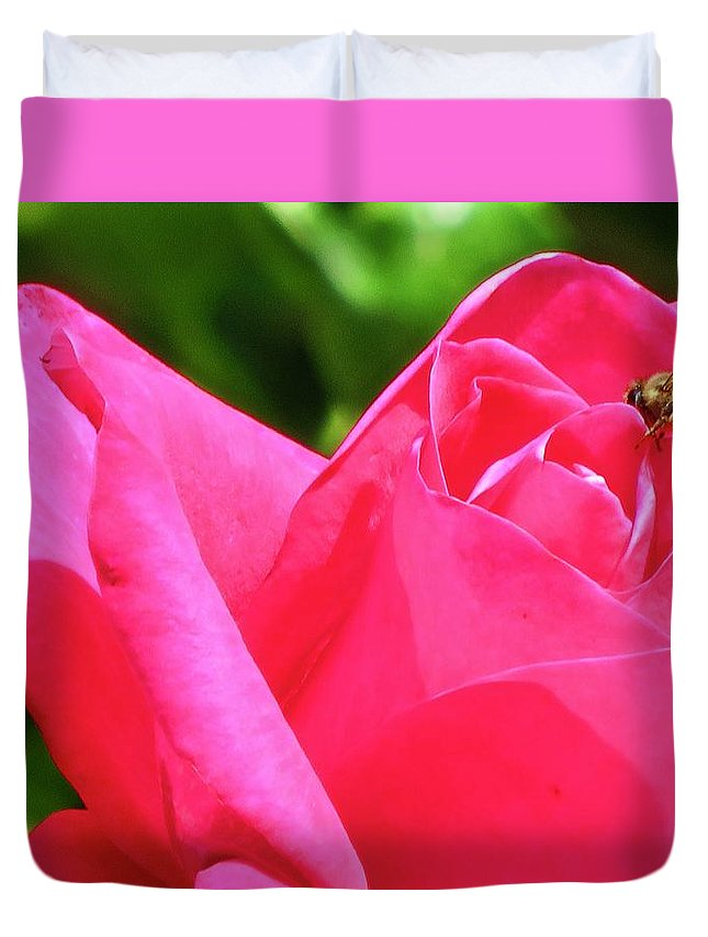 Rose Duvet Cover featuring the photograph Just Visiting by Joan Laine