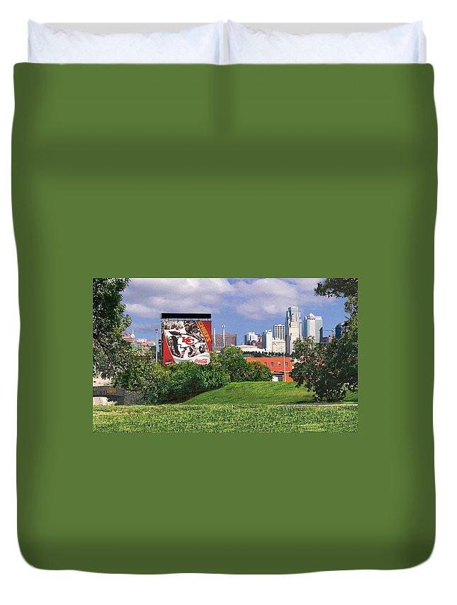 Landscape Duvet Cover featuring the photograph Kansas City Sky Line by Steve Karol