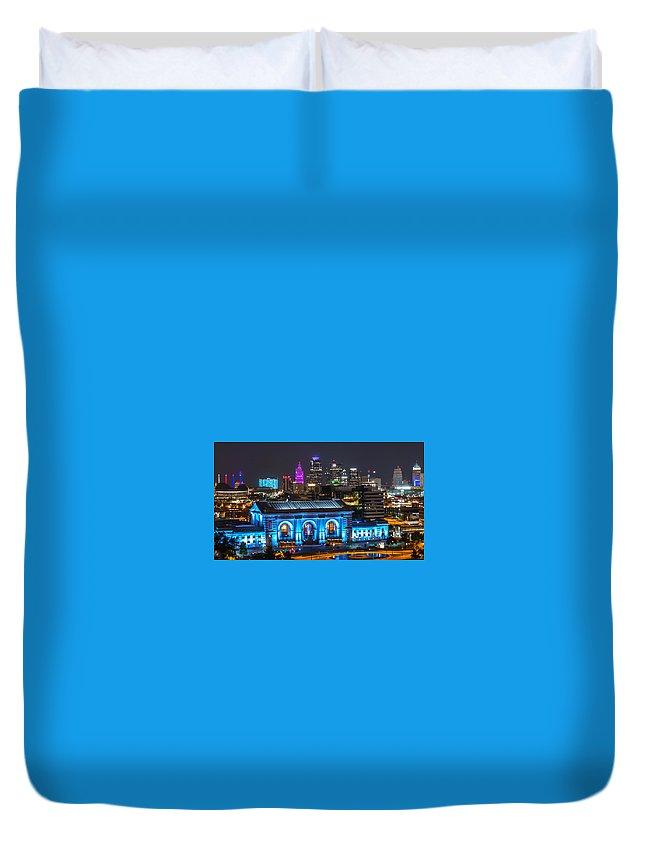 Kansas City Duvet Cover featuring the photograph Kansas City Vibrant At Night by Richard Lincoln