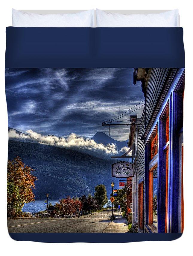 Kaslo Duvet Cover featuring the photograph Kaslo At Kootenai Lake by Lee Santa
