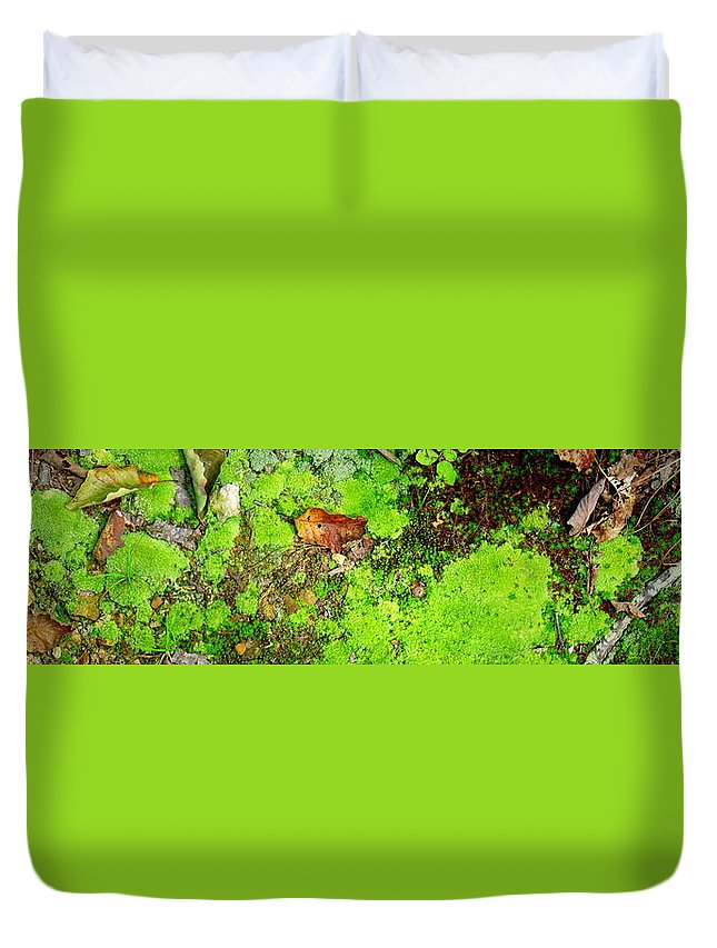 Moss Duvet Cover featuring the photograph Kate Moss by Ed Smith
