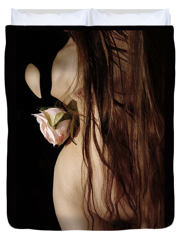Female Nude Abstract Mirrors Flowers Duvet Cover featuring the photograph Kazi0802 by Henry Butz