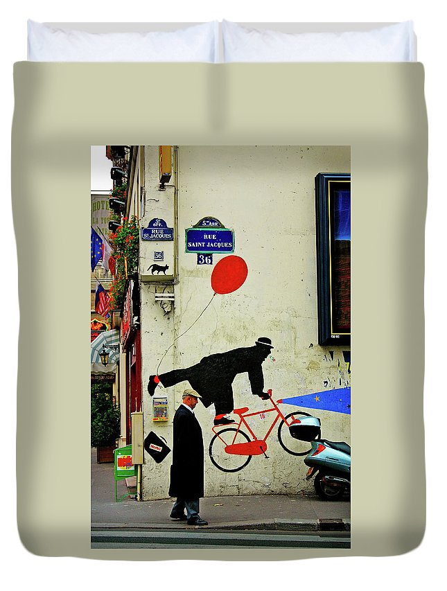 Paris Duvet Cover featuring the photograph Kick In The Head by Skip Hunt