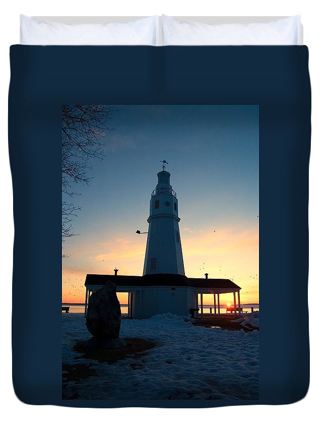 Lighthouse Duvet Cover featuring the photograph Kimberly Pointe Lighthouse by Joel Witmeyer