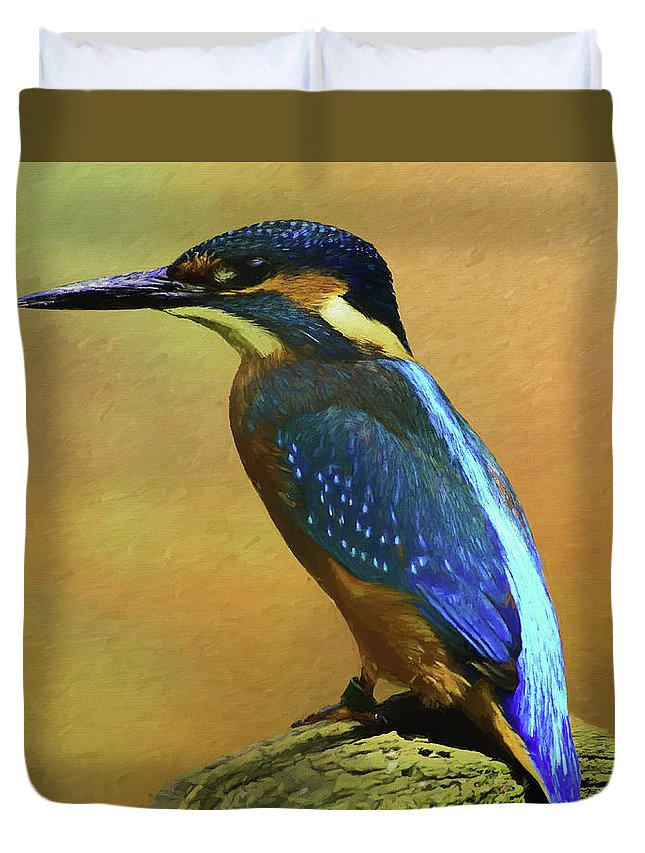 Alcedines Duvet Cover featuring the digital art Kingfisher Perch by Roy Pedersen