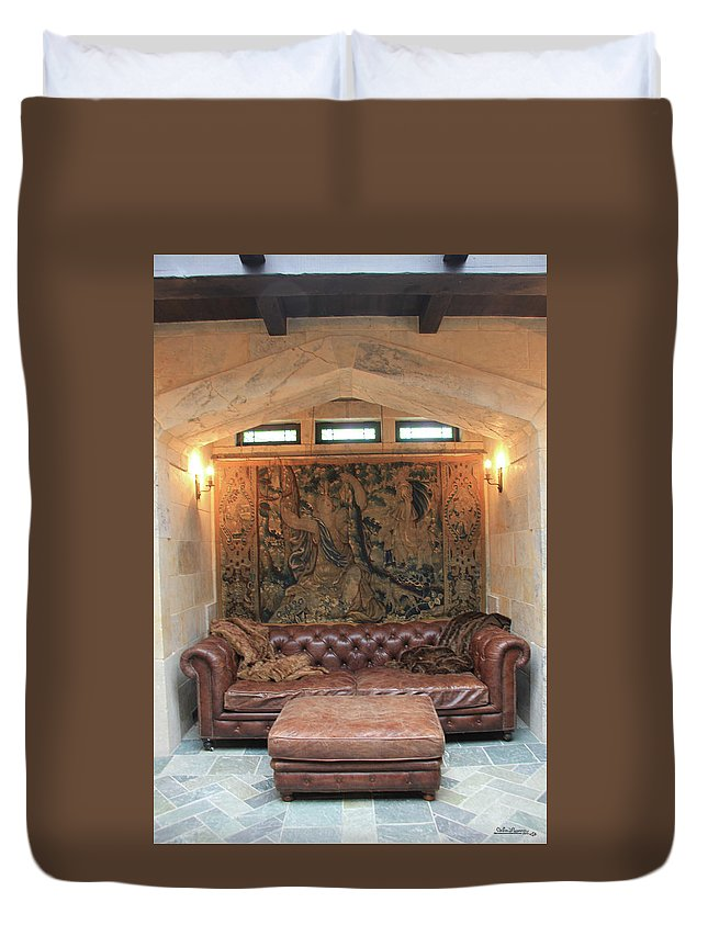 Saskatchewan Duvet Cover featuring the photograph Kings Lair by Andrea Lawrence