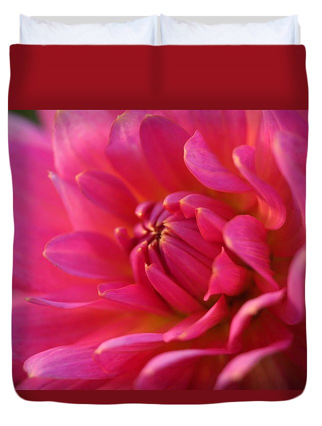 Close Up Duvet Cover featuring the photograph Kiss Of Pink by Beth Collins