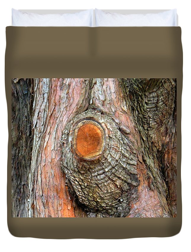 Tree Duvet Cover featuring the photograph Knot by Ian MacDonald