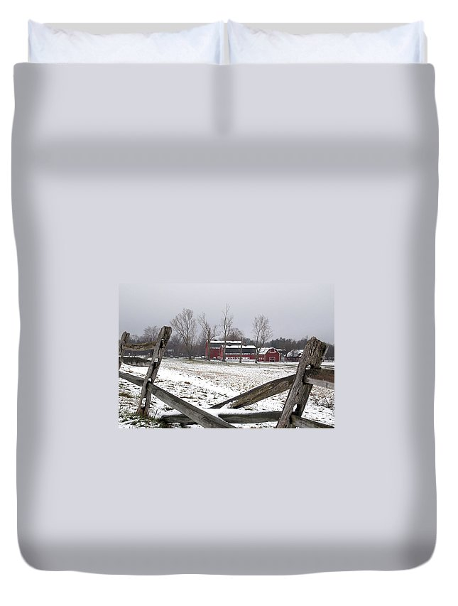 Barn Duvet Cover featuring the photograph Knox Farm In Winter 0980 by Guy Whiteley