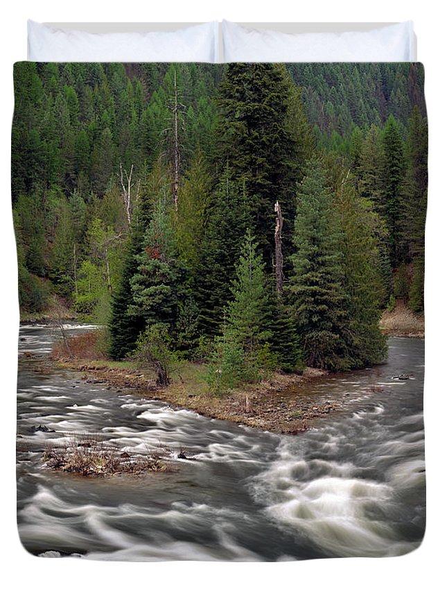 Idaho Duvet Cover featuring the photograph Kootenai River by Leland D Howard