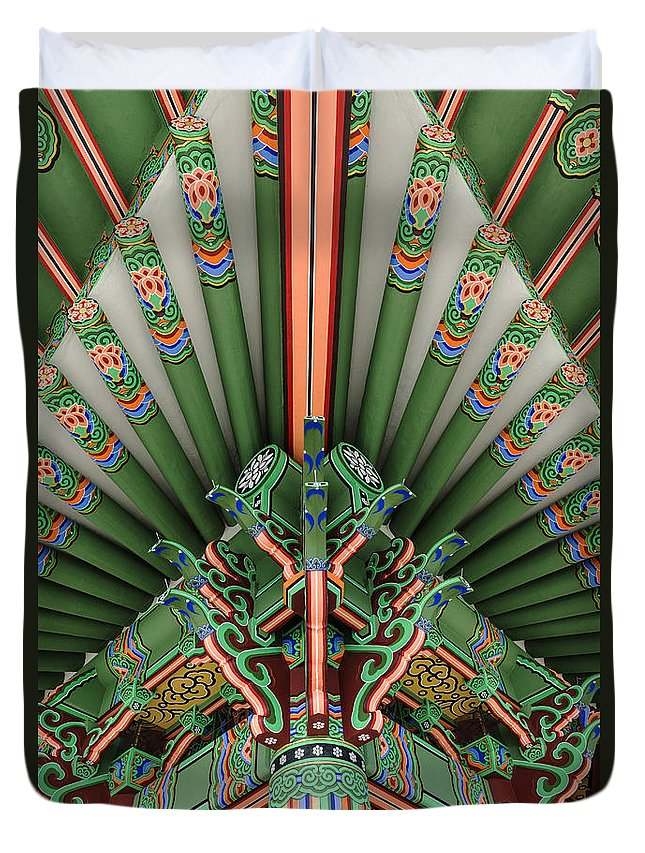 San Pedro Ca Duvet Cover featuring the photograph Korean Bell Of Friendship Detail San Pedro by David Zanzinger