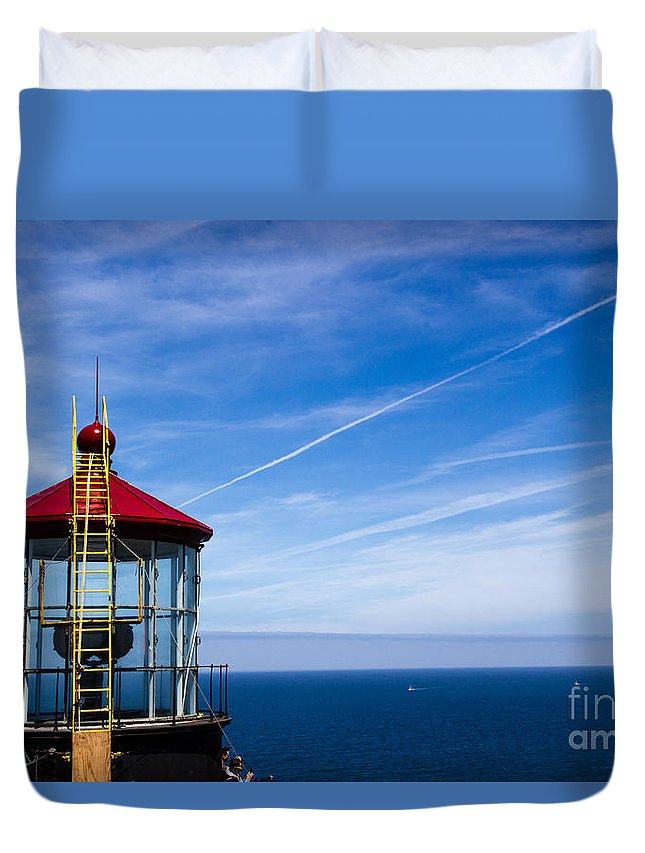 Beautiful Duvet Cover featuring the photograph Ladder To The Sky by Juan Romagosa
