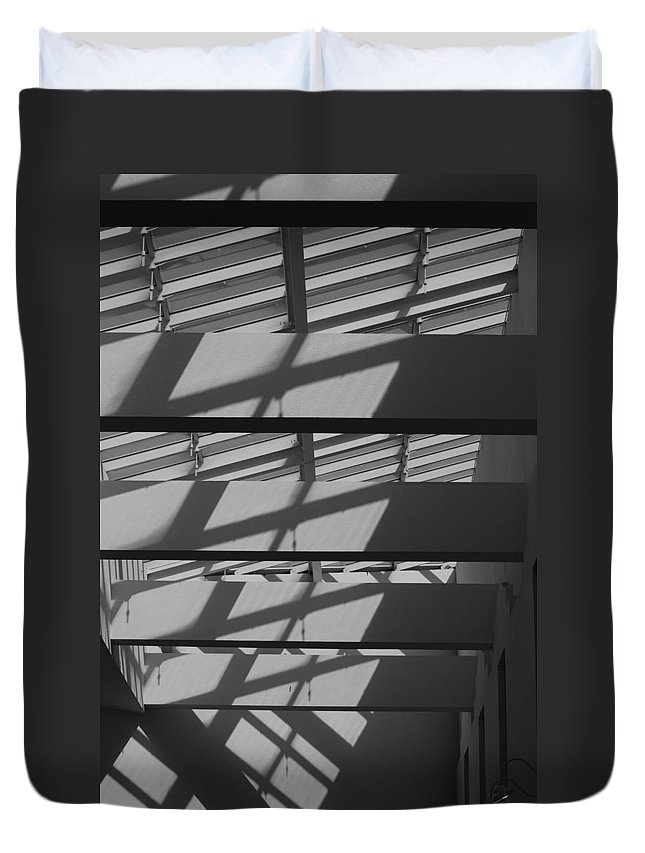 Black And White Duvet Cover featuring the photograph Ladders In The Sky by Rob Hans