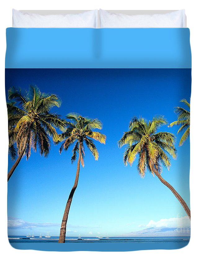 Bark Duvet Cover featuring the photograph Lahaina Palms by Carl Shaneff - Printscapes