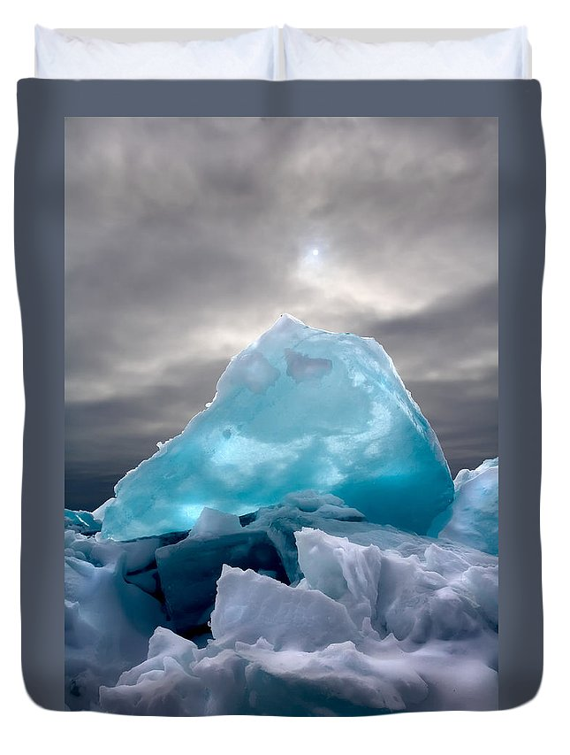Minnesota Duvet Cover featuring the photograph Lake Ice Berg by Rikk Flohr