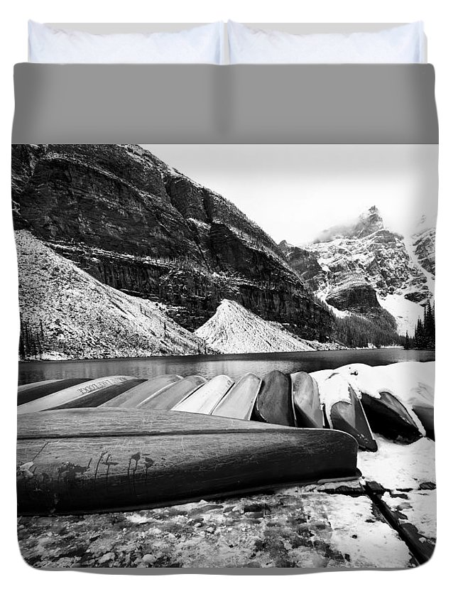 2014 Duvet Cover featuring the photograph Lake Luise by Peter Szabadi