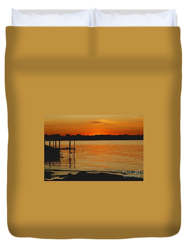 Landscape Duvet Cover featuring the photograph Lake Sunset by D Nigon