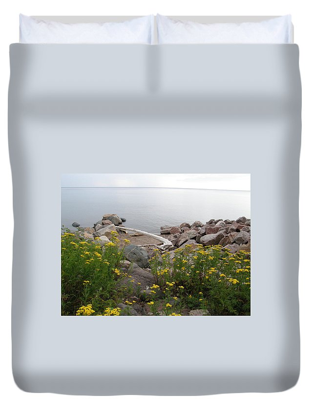 Drift Wood Duvet Cover featuring the photograph Lake Superior Shore by Alice Markham