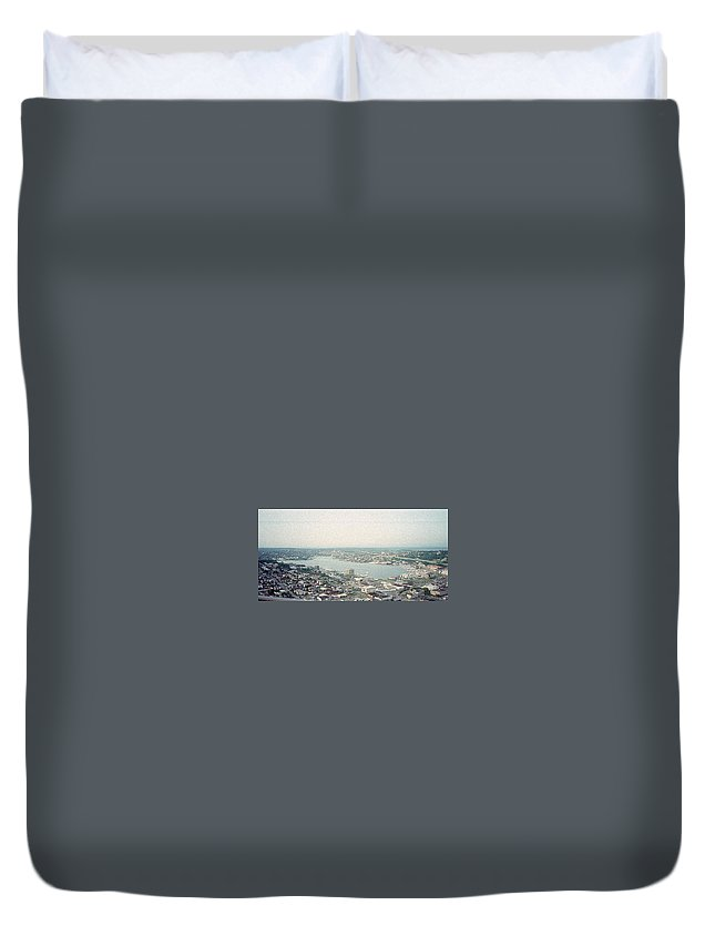 Lake Duvet Cover featuring the painting Lake Union Seattle by Maro Kentros