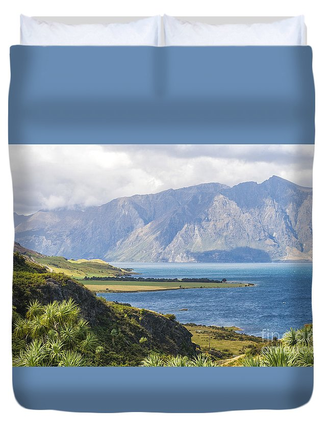 Bay Duvet Cover featuring the photograph Lake Wakatipi by Patricia Hofmeester