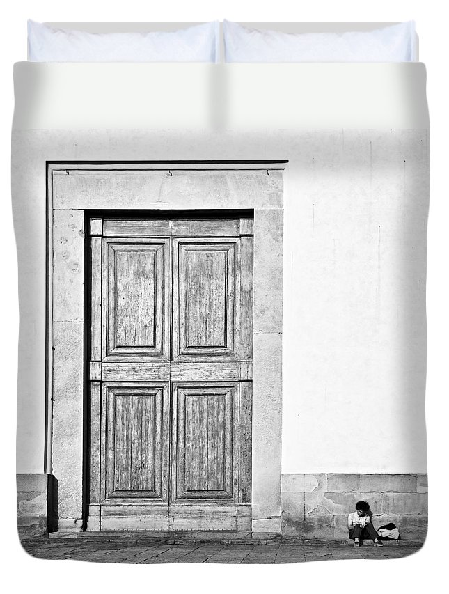 Door Duvet Cover featuring the photograph Land Of The Giants by Dave Bowman
