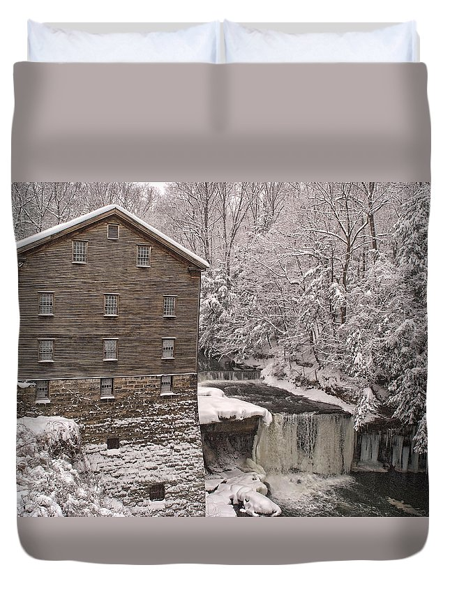 Lanterman's Mill Duvet Cover featuring the photograph Lanterman's Mill by Michael McGowan