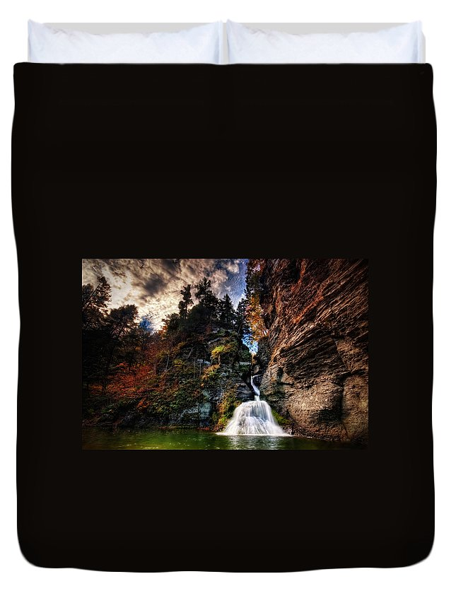 Mine Kill State Park Duvet Cover featuring the photograph Laurelindorinan by Neil Shapiro