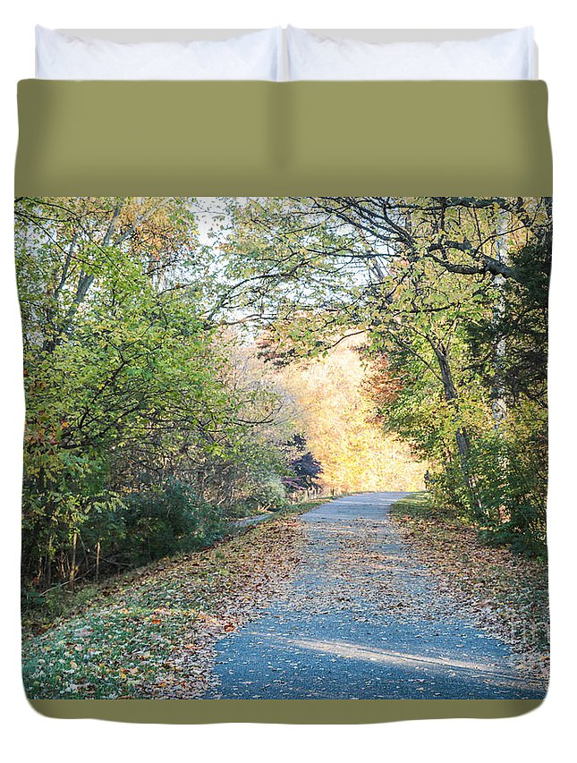 Gaithersburg Duvet Cover featuring the photograph Leaf-strewn Path by Thomas Marchessault