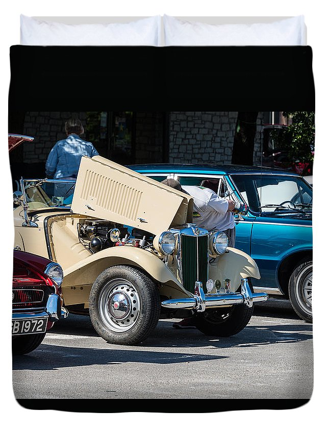 Leander Duvet Cover featuring the photograph Leander Texas Car Show Viewing by JG Thompson