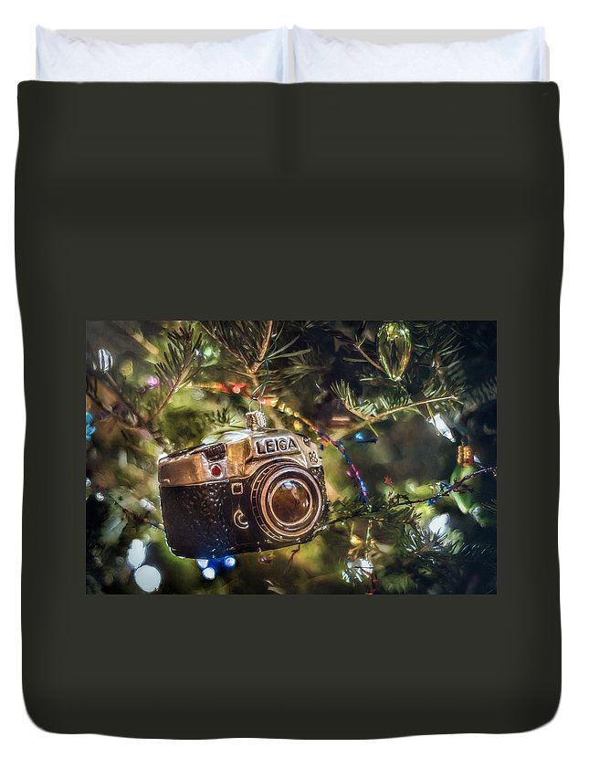Scott Norris Photography. Christmas Tree Duvet Cover featuring the photograph Leica Christmas by Scott Norris