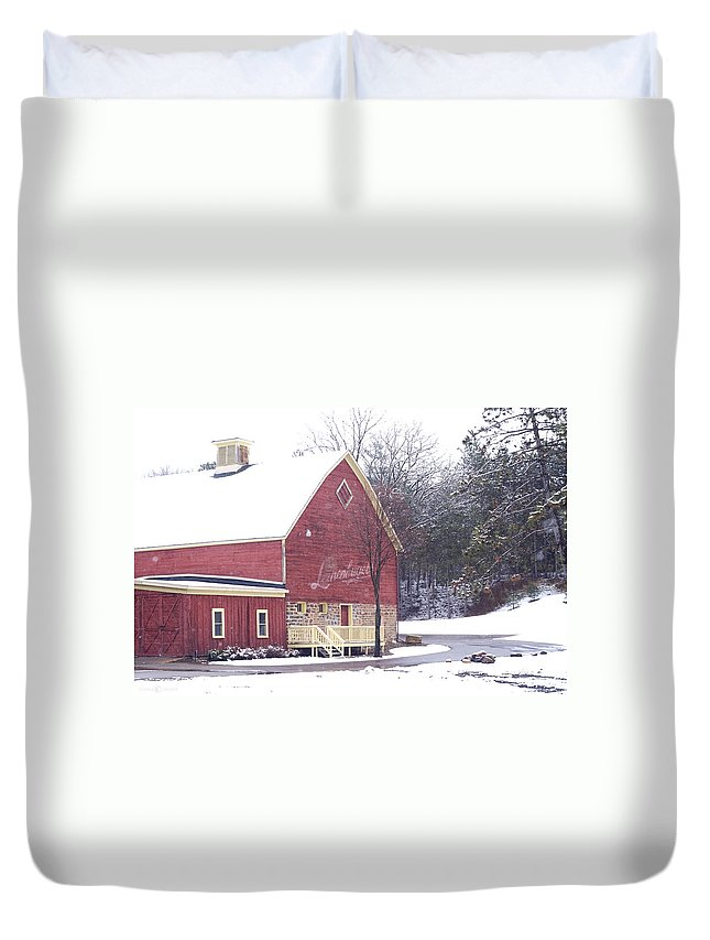 Barn Duvet Cover featuring the photograph Leinie by Tim Nyberg